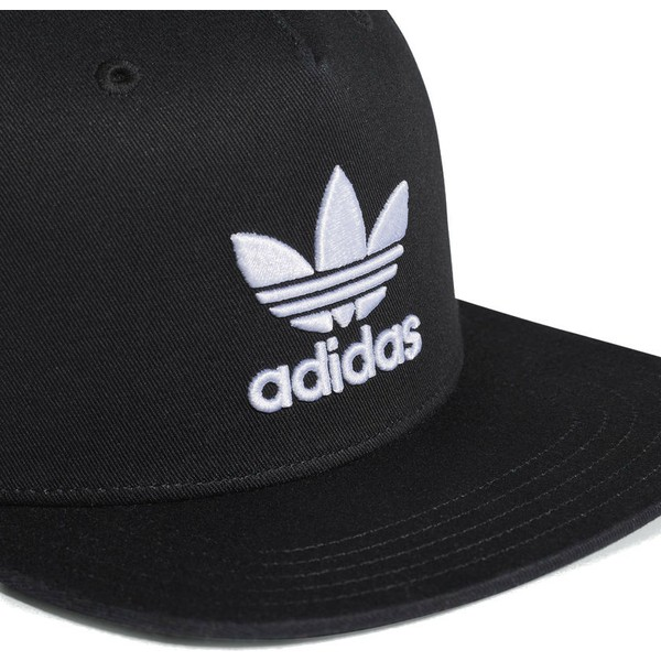 classic shoes attractive price official photos Casquette plate noire snapback Trefoil Adidas