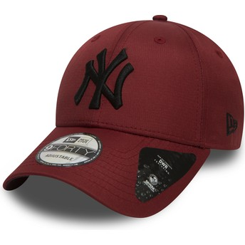New Era Curved Brim Black Logo 9FORTY Ripstop de New York Yankees MLB Maroon Adjustable Cap