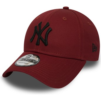 New Era Curved Brim Black Logo 9FORTY Essential de New York Yankees MLB Red Adjustable Cap