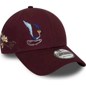 New Era Curved Brim 9FORTY Wile E. Coyote And Road Runner Looney Tunes Chase Maroon Adjustable Cap