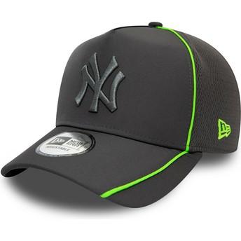 New Era Curved Brim Grey Logo Feather Pipe A Frame New York Yankees MLB Grey Snapback Cap